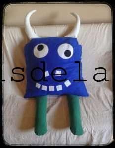 Monstruo-guardapijamas_azul